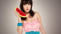 Katy Perry And Watermelon Picture Photo Background