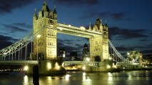 Tourist Holiday London Bridge Evening River Wallpaper HD Widescreen