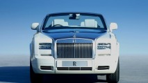 Rolls Royce Phantom Drophead Coupe Looks Ahead Picture