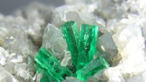 Emerald crystal wallpaper