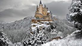 Alcazar Castle of Segovia in Winter HD Wallpaper