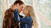 Kissing in the Rain HD Wallpaper