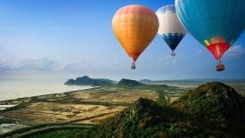 Hot Balloons in Flight HD Wallpaper