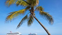 Photo of Cruise Ships in Caribbean HD Wallpaper